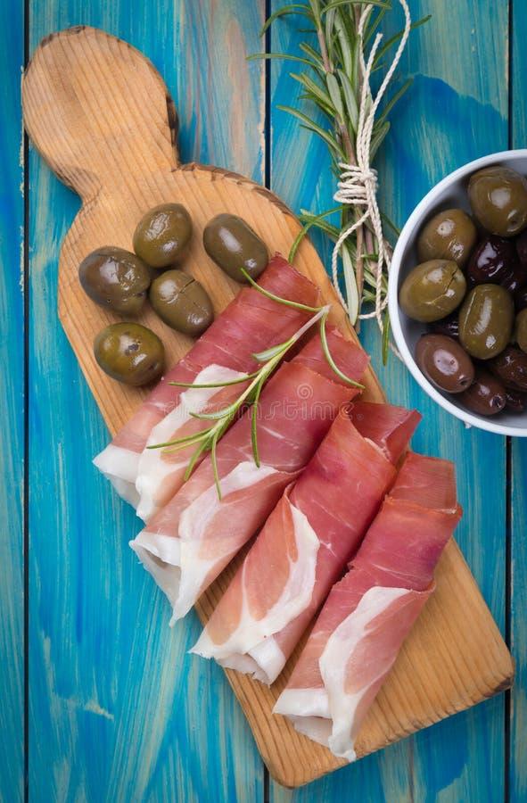 Tranches de jambon de prosciutto trait? photo stock