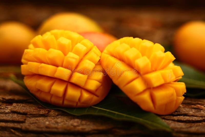Tranches de mangue Alphonso photo stock