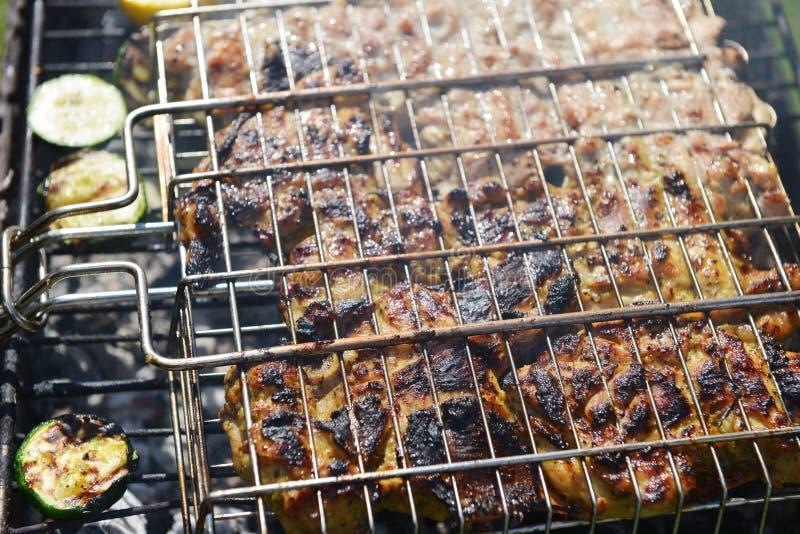Download Tranches de viande image stock. Image du rouge, frit - 56477641