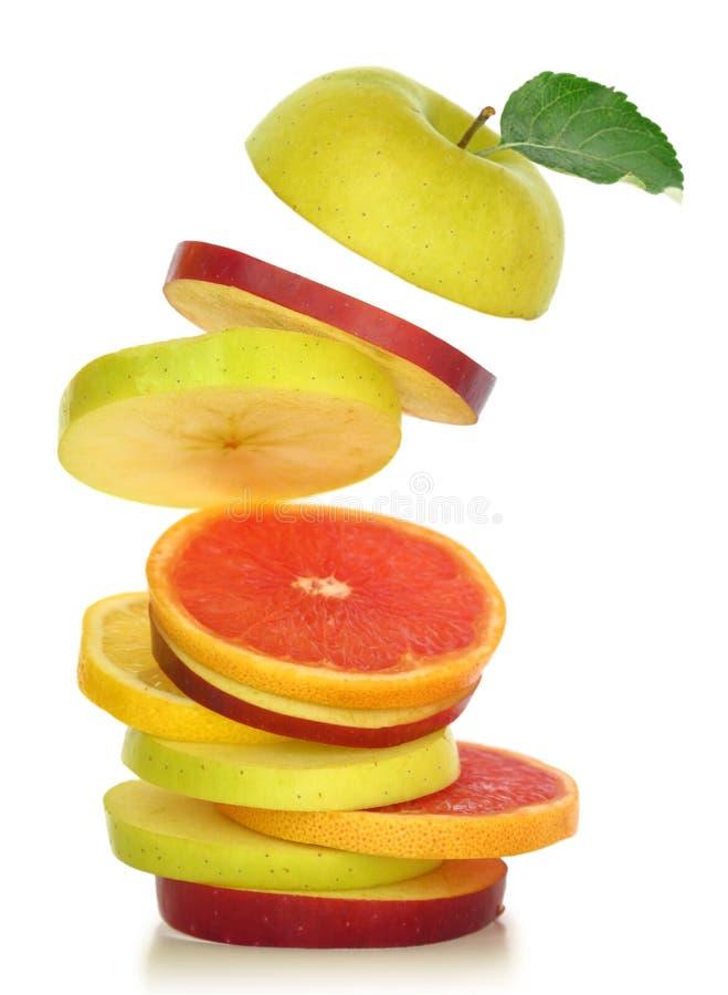 Tranches mélangées fraîches de fruit photos stock