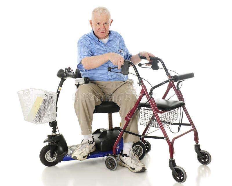 Tranferring Één Mobiliteitshulp aan een andere stock foto's