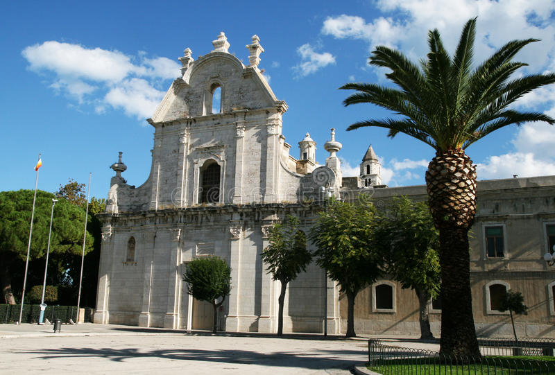 Trani kyrka royaltyfri foto