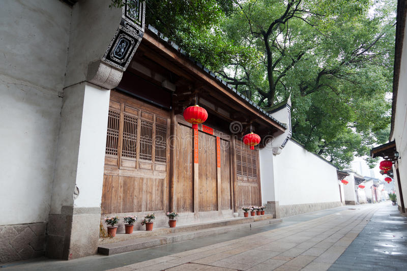 Download Tranquil Chinese Traditional Alley. Stock Image - Image: 23270291