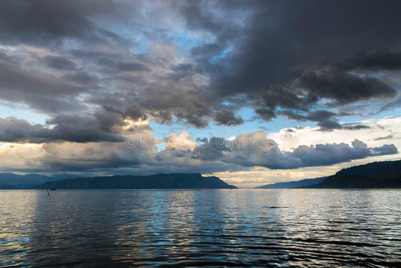 Tranquil Lake Toba Indonesia fotografia stock libera da diritti