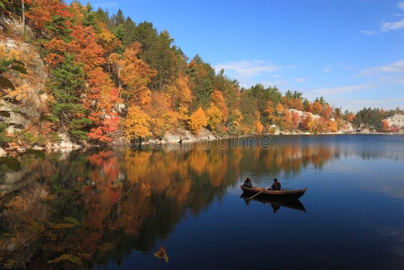 Tranquilidad de Mohonk del lago imagen de archivo libre de regalías