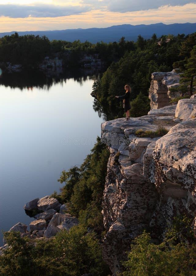 Tranquilité sur le lac Minnewaska photo stock