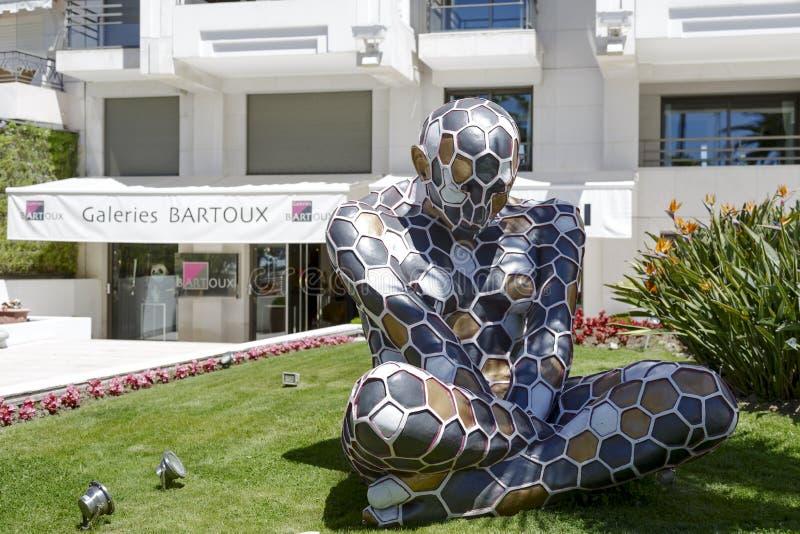 Trans.-Mutazione skulptur, utläggning i Cannes royaltyfria bilder