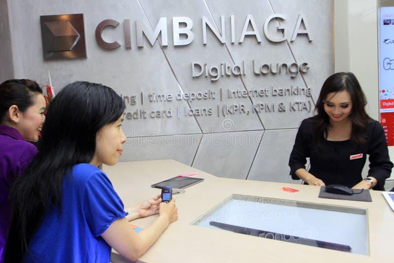 Transacción de actividades bancarias foto de archivo