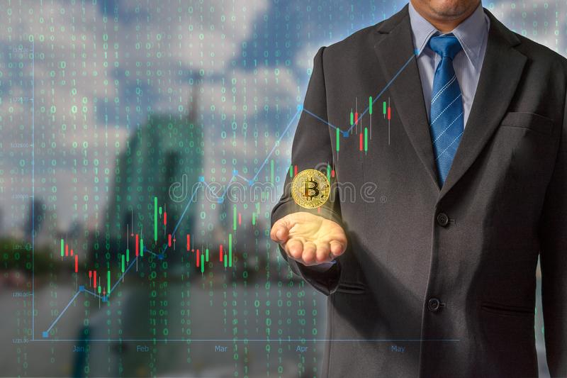Transactions sur l'Internet par le commerce par la technologie de blockchain de devise de bitcoin par des données financières par photographie stock