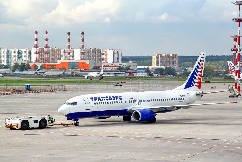 Transaero Боинг 737 стоковые изображения