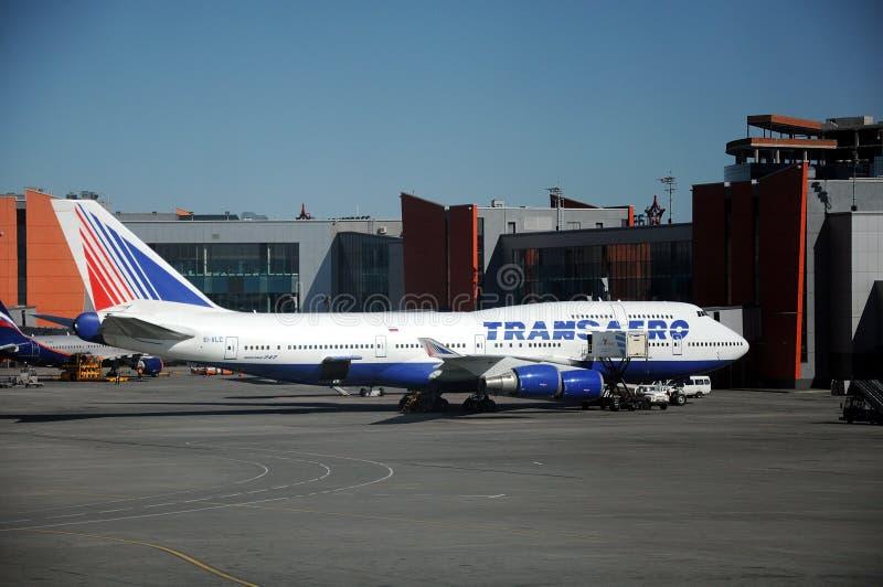 Download Transaero Boeing 747 redactionele stock afbeelding. Afbeelding bestaande uit rusland - 54085844