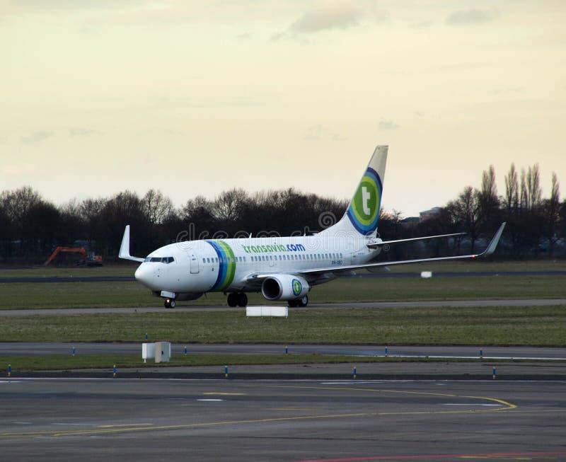 Transavia samolot przyjeżdża w Rotterdam zdjęcie stock