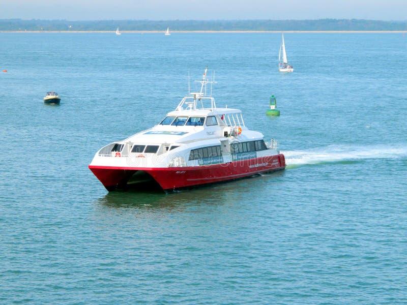 Transbordador del catamarán, isla del Wight. imagenes de archivo