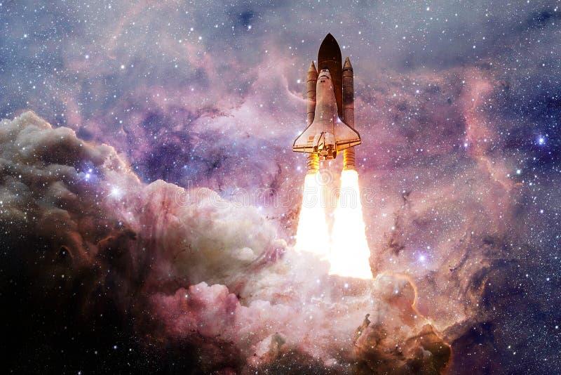 Transbordador espacial que saca en una misi?n fotografía de archivo