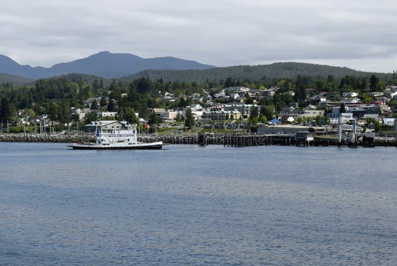 Transbordador que llega en Powell River, A.C. fotografía de archivo libre de regalías
