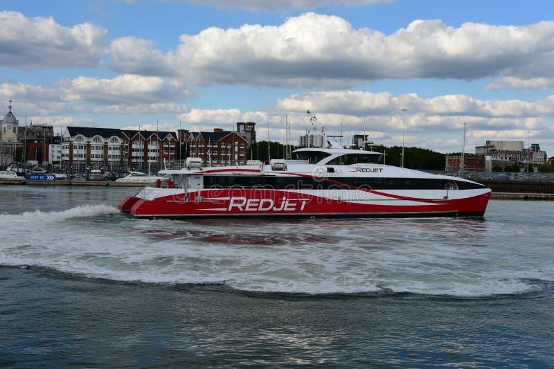 Transbordador rápido Southampton Reino Unido fotos de archivo