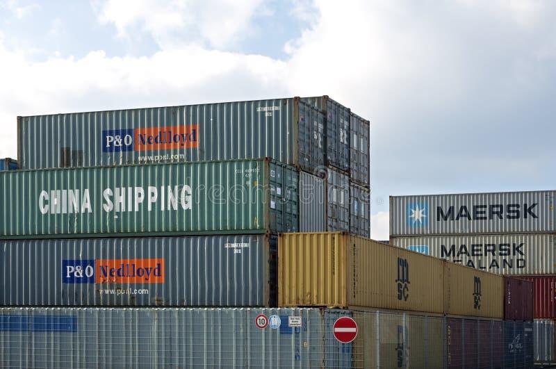 Transbordamento dos recipientes, Alemanha imagens de stock royalty free