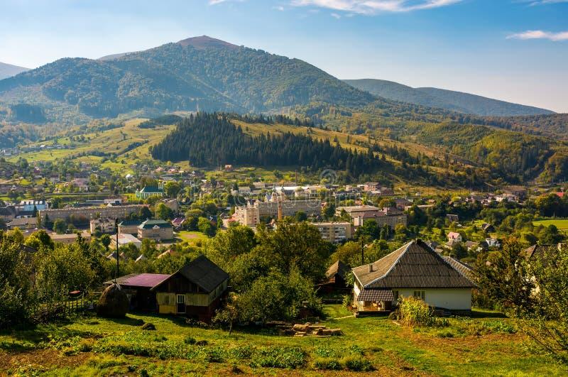 transcarpathian山的美丽的乡下 图库摄影