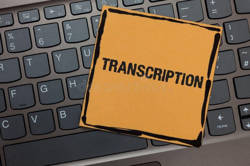 Transcrição da escrita do texto da escrita O processo escrito ou impresso do significado do conceito de transcrição exprime o por foto de stock royalty free