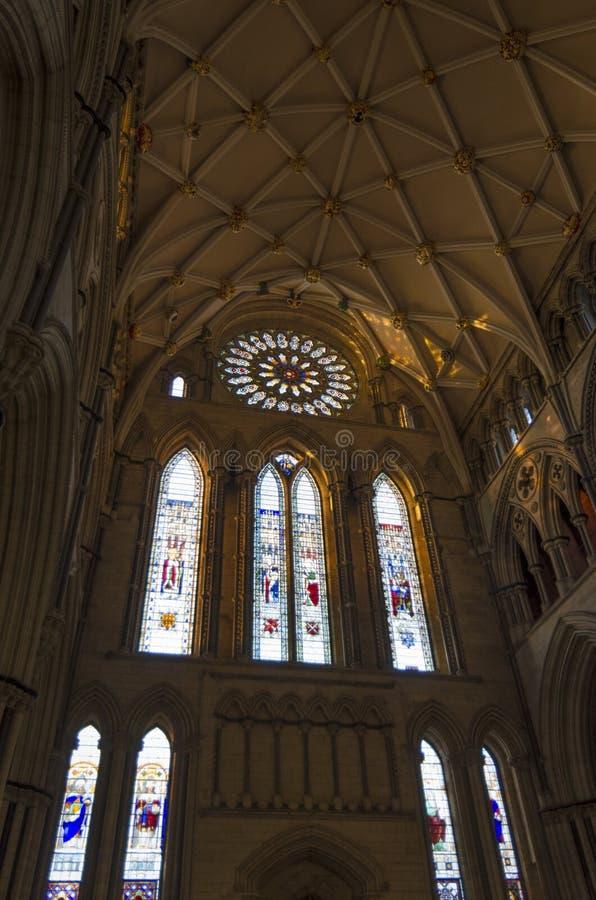 Transetto del sud di York Minster con Rose Window immagine stock