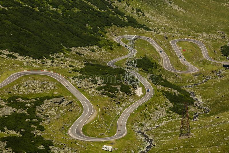 Transfagarasan bergväg, rumänska Carpathians royaltyfri foto