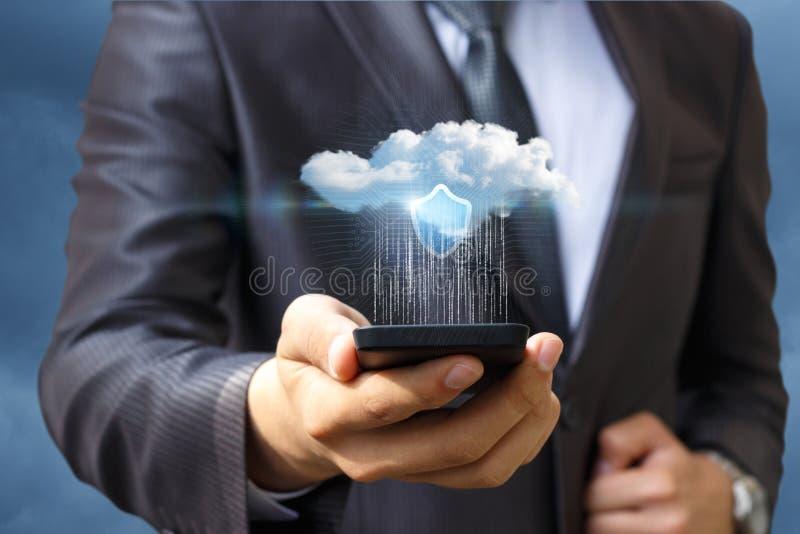Transferencia de datos a la nube de su teléfono imágenes de archivo libres de regalías