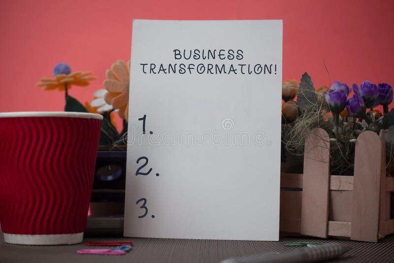 Transformaci?n del negocio de la escritura del texto de la escritura El significado del concepto alinea sus modelos comerciales c foto de archivo libre de regalías