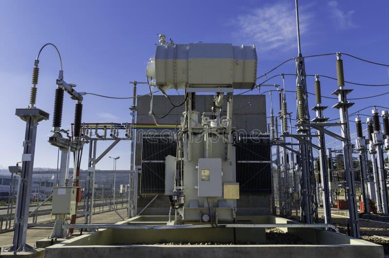 Transformador de la corriente eléctrica fotos de archivo