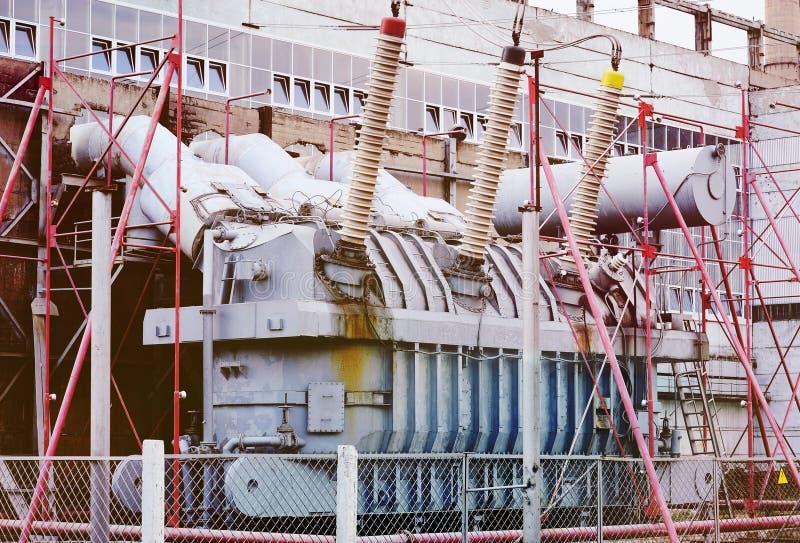 Transformador de poder Central eléctrica imagens de stock royalty free
