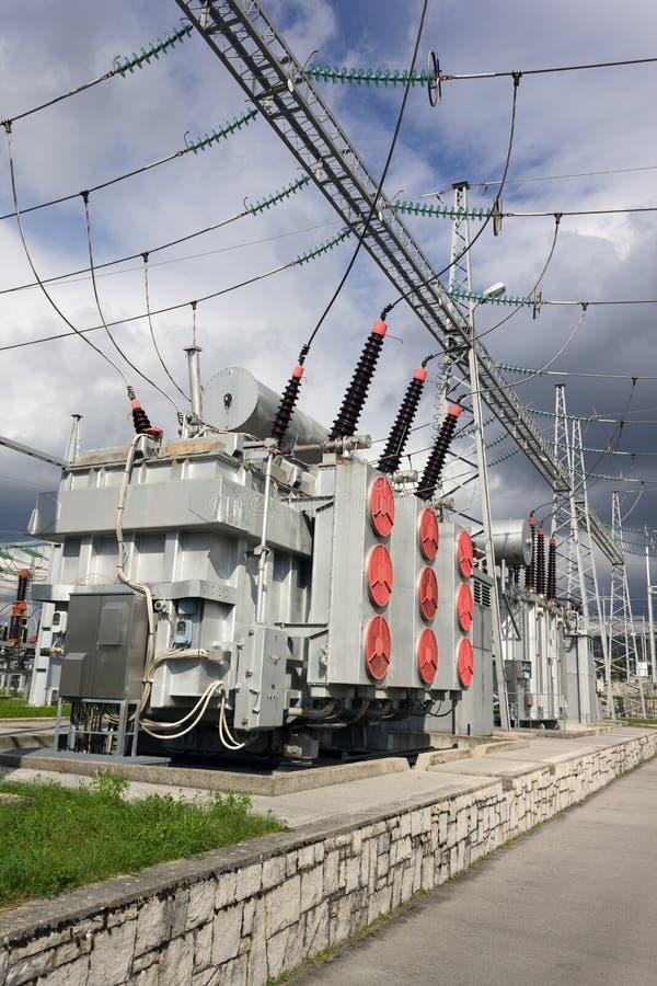 Transformadores de la energía eléctrica imagen de archivo libre de regalías