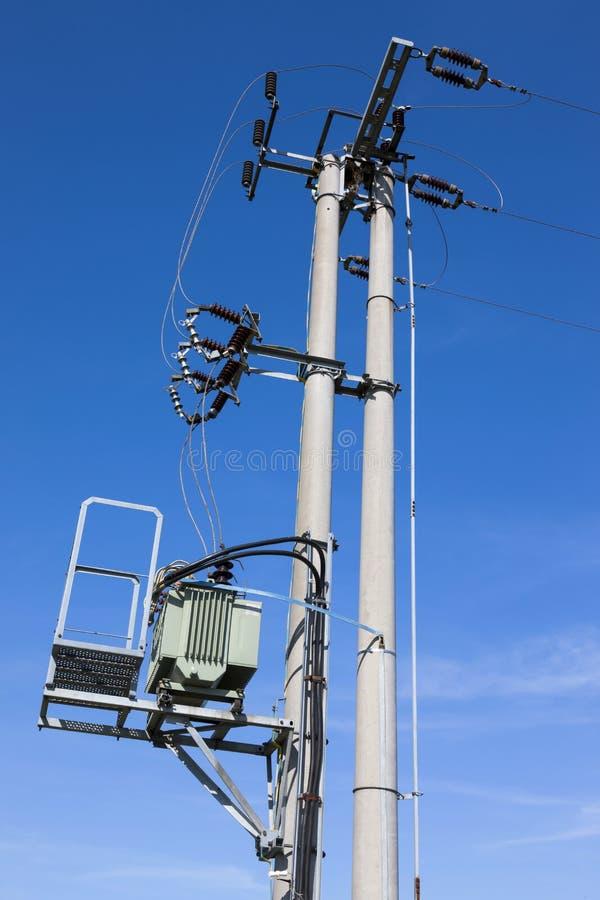 Transformator & isolatorer, elektricitet arkivbilder