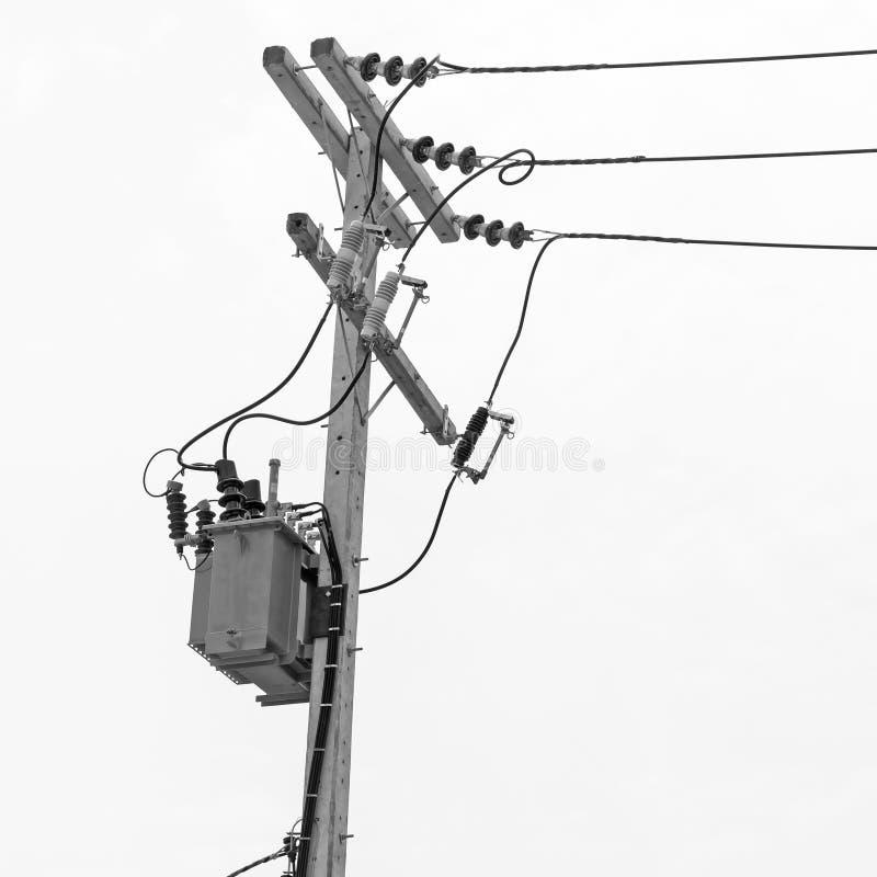 Transformator op elektrische post stock fotografie