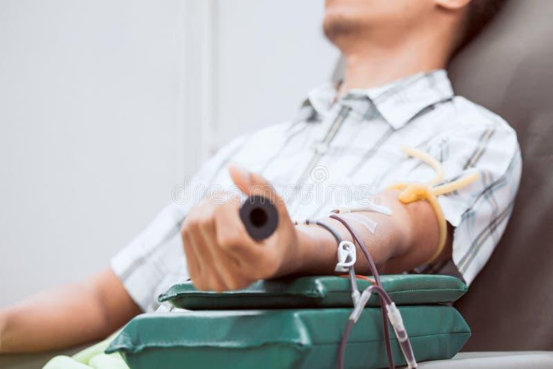 Transfusiebloeddonatie, bloedgever bij het ziekenhuis royalty-vrije stock foto's