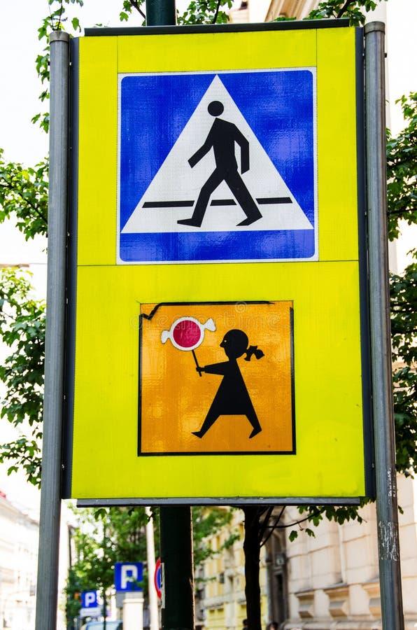 Transição do sinal de estrada imagens de stock