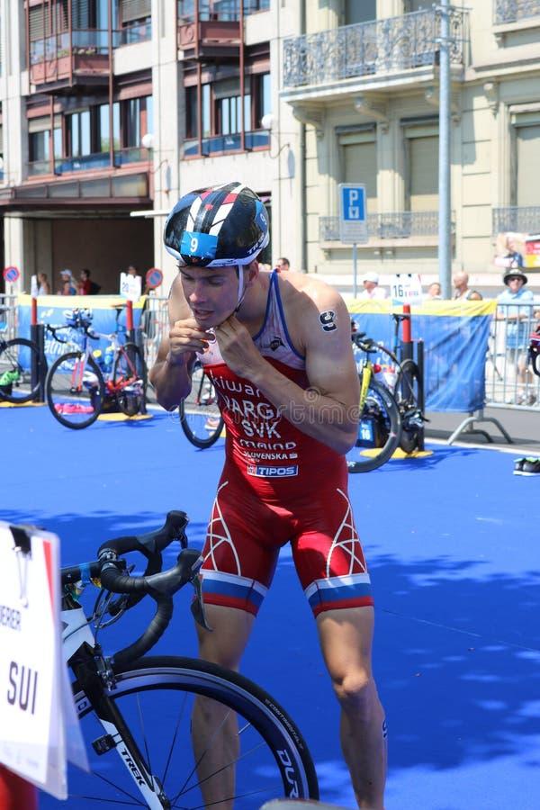 Transição saudável do exercício do esporte do triathlete do Triathlon imagem de stock royalty free