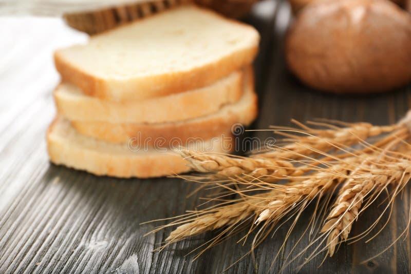 Transitoires de blé et pain coupé images libres de droits