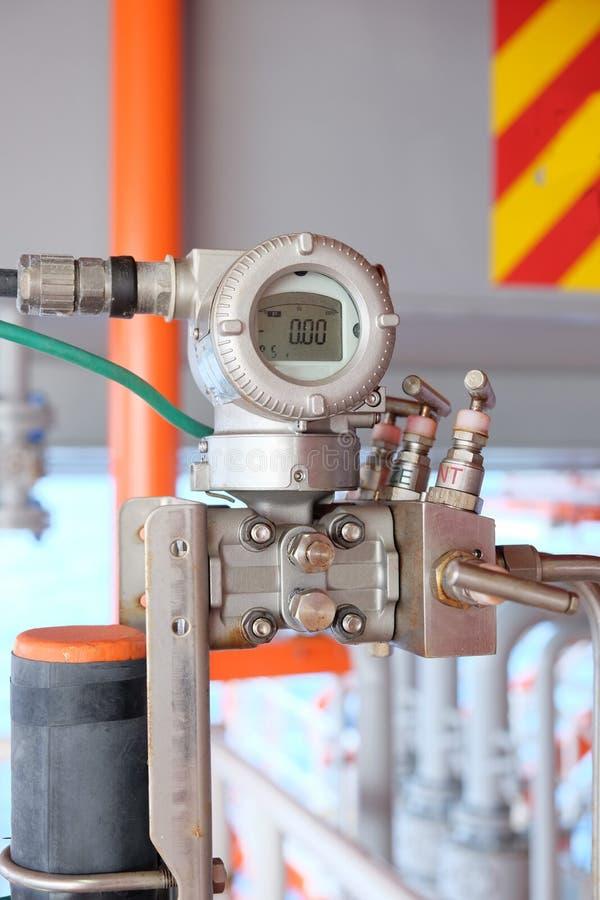 Transmetteur de pression dans le processus de pétrole et de gaz photo libre de droits