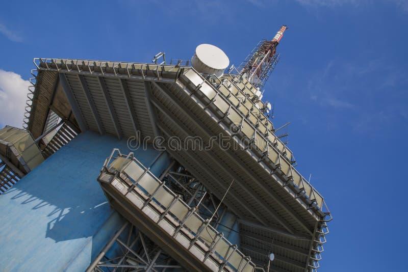 Transmisor de la TV y del G/M en Nitra imagen de archivo