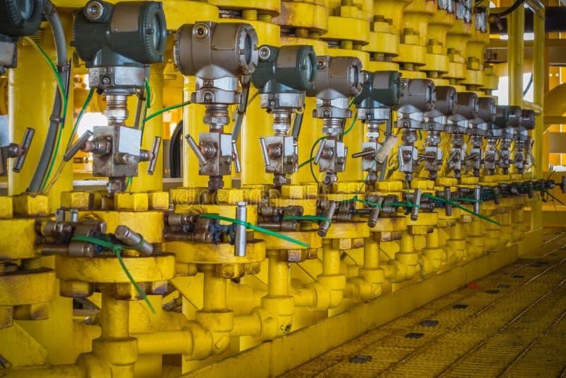 Transmisor de presión en proceso del petróleo y gas imagenes de archivo