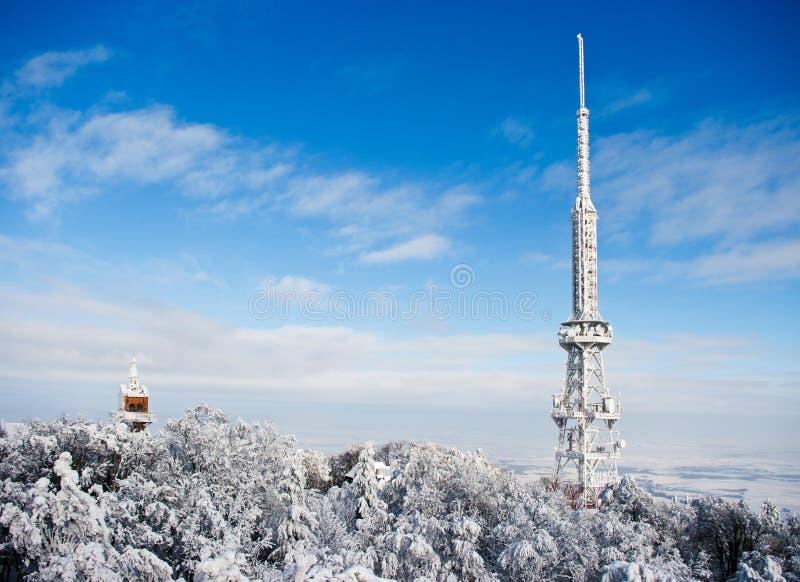 Transmisor en la montaña de Sleza imagenes de archivo