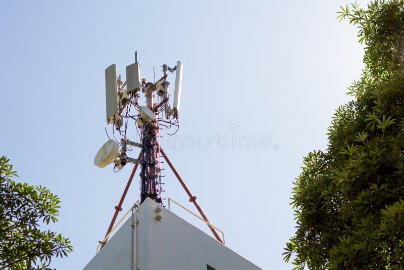 Transmisor por satélite imágenes de archivo libres de regalías