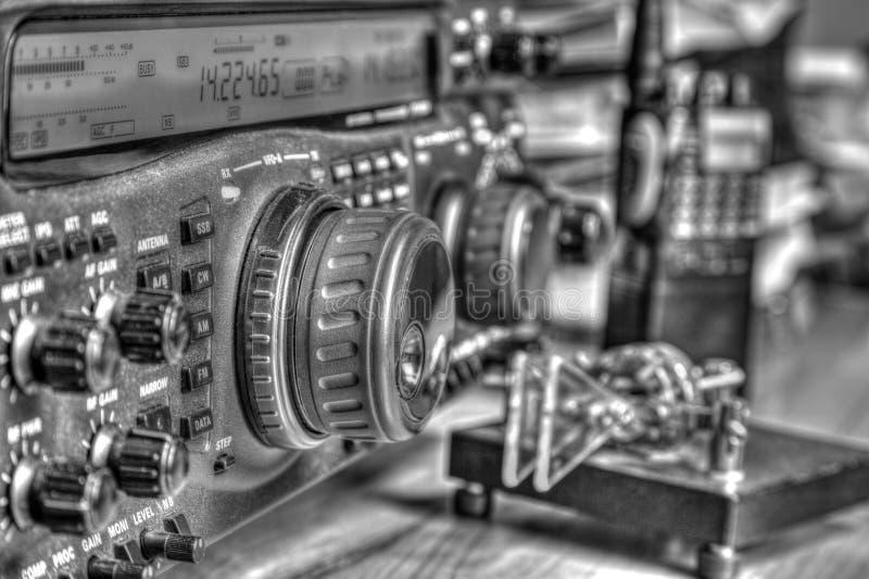 Transmisor-receptor aficionado de radio de alta frecuencia en blanco y negro foto de archivo libre de regalías