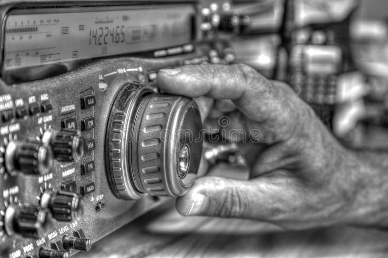Transmisor-receptor aficionado de radio de alta frecuencia en blanco y negro fotografía de archivo libre de regalías