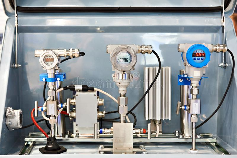 Transmisor y sensores de presión imagenes de archivo