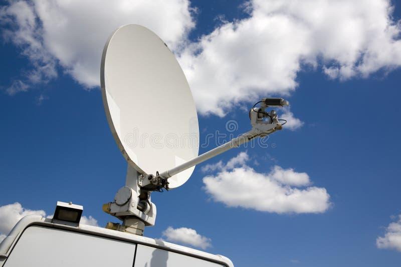 Transmissor da televisão satélite foto de stock royalty free