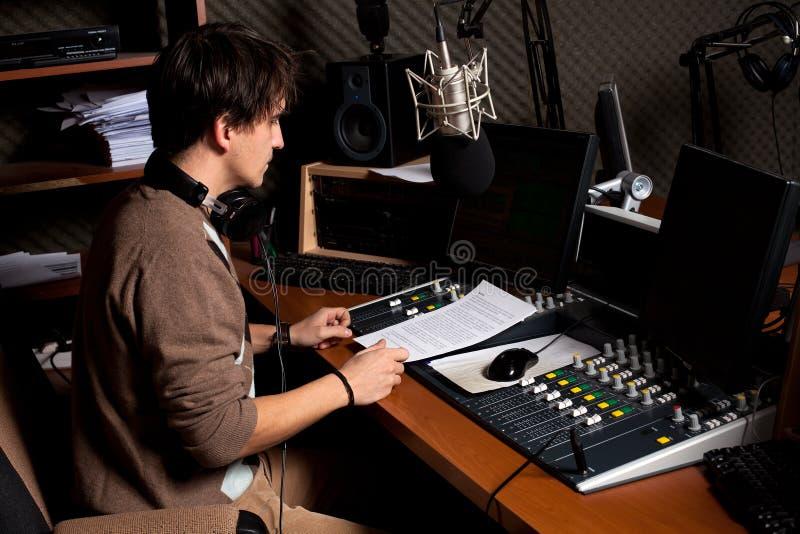 Transmita por rádio o DJ