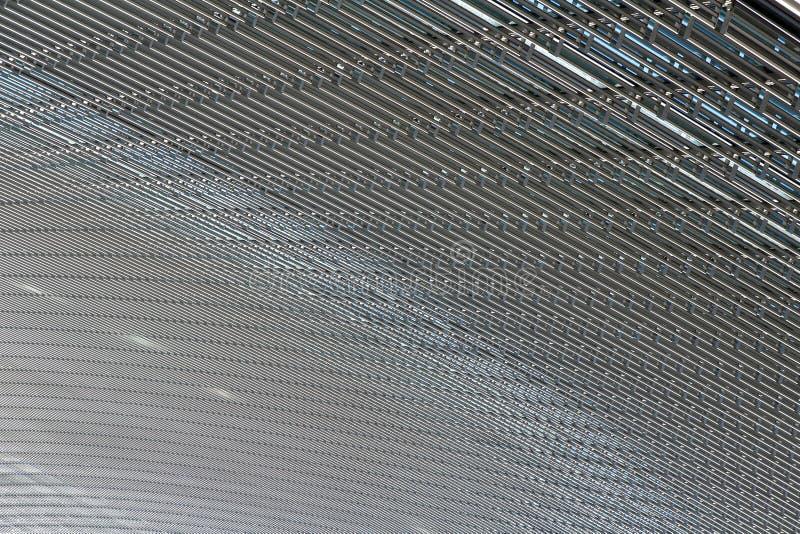 Transparant plafond in de moderne bouw met blauwe hemel op een achtergrond royalty-vrije stock fotografie