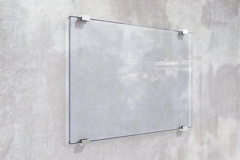 Transparant uithangbord op concrete muur royalty-vrije stock afbeelding