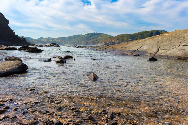 transparant water in het overzees stock foto's