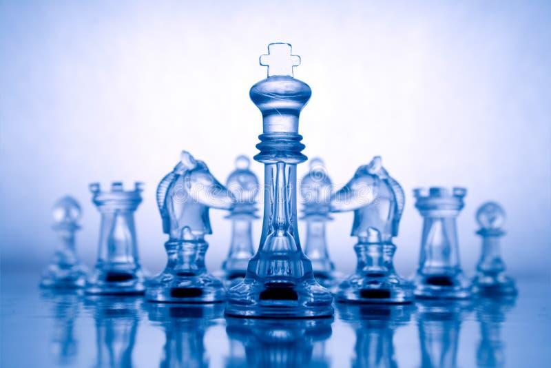 Transparentes blaues Schach stockbild